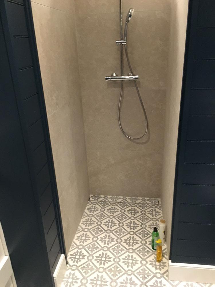 Fossil Stone Dublin Ireland - Encaustics Floor Tiles in Bathroom